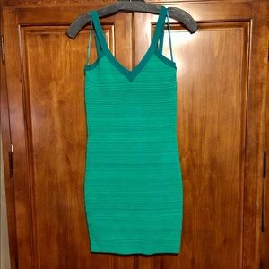 GUESS bodycon size M NWOT never worn